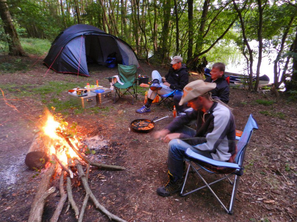 Mitten in der Wildnis Feuerstelle