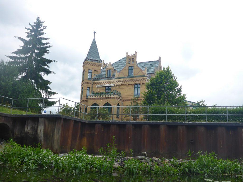 schicke Villa an der Schleuse Parchim KM 72