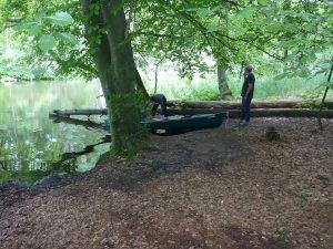Rastmöglichkeit im Kanal zum Labussee